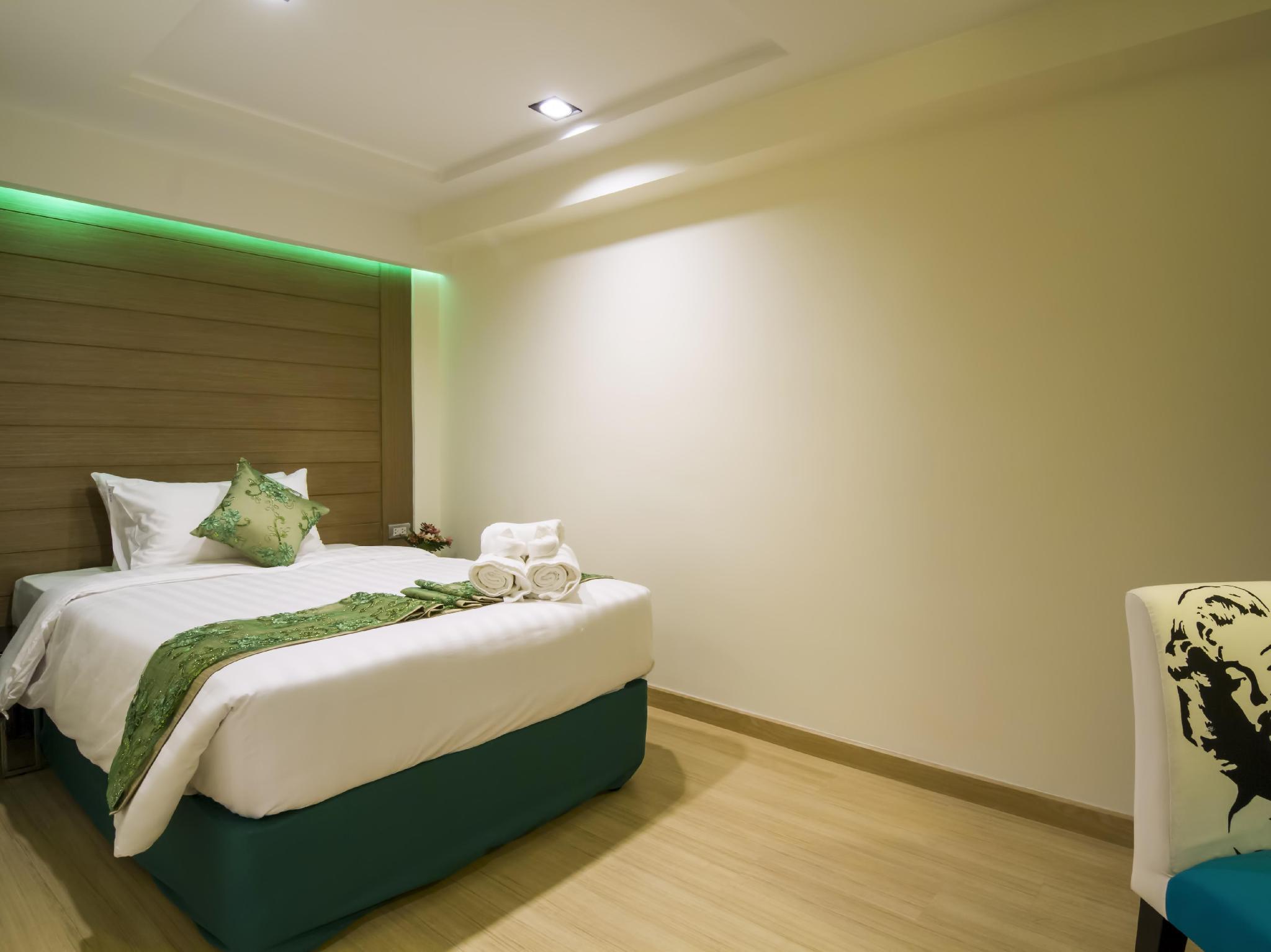 Eleven Avenue Suites13