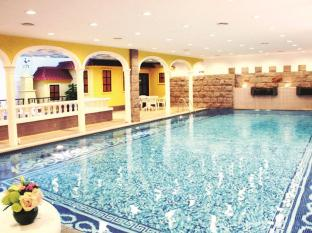 Casa Real Hotel Macau - Indoor swimming pool