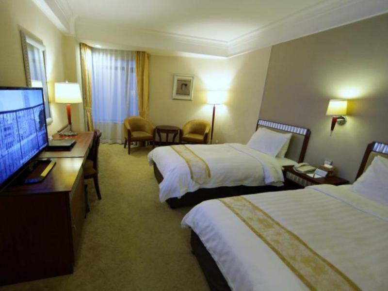 ゴールデン ドラゴン ホテル (Golden Dragon Hotel)