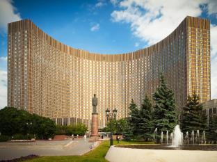 Cosmos Hotel Moscow