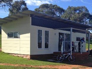 Lake Talbot Tourist Park Cabins PayPal Hotel Narrandera