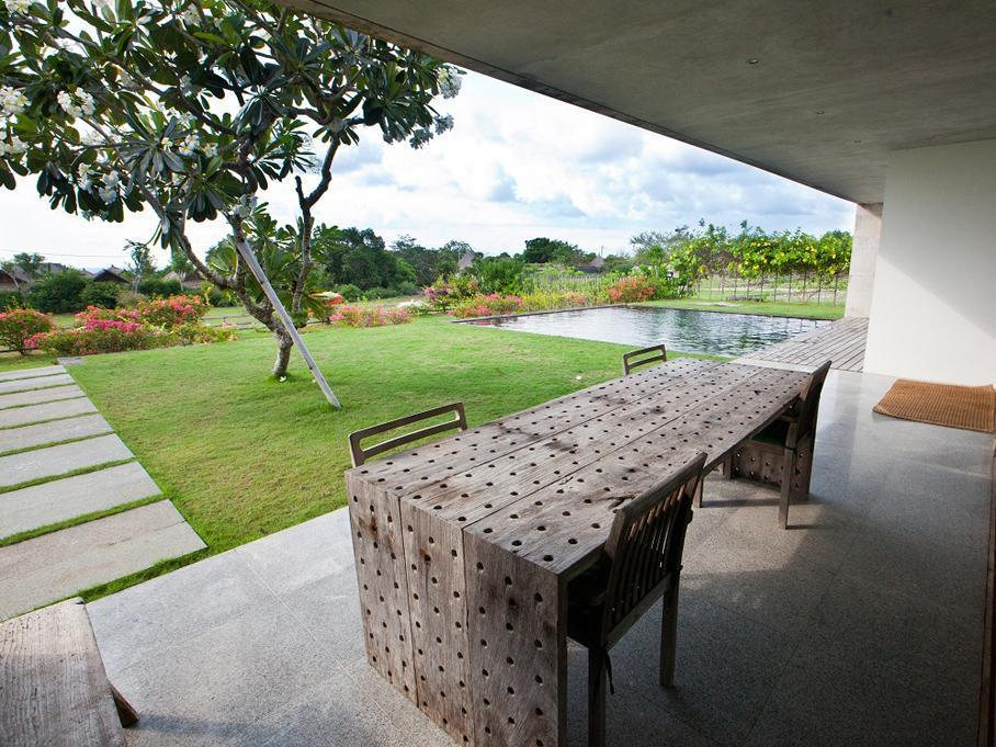 Jimbaran Balangan Beach Front Villa Nakar