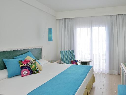 ➦  Melia International Hotels    customer rating