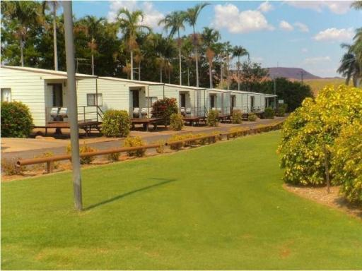 ➦  Discovery Holiday Parks    (Queensland) customer rating