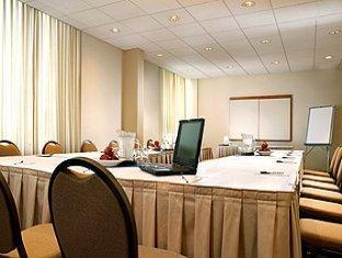 Four Points by Sheraton Toronto Airport Toronto (ON) - Meeting Room