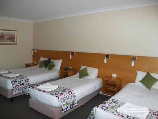 Best PayPal Hotel in ➦ Orange: The Midcity Motor Lodge