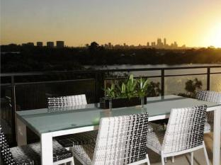 Assured Ascot Quays Apartment Hotel Perth - Apartment Balcony
