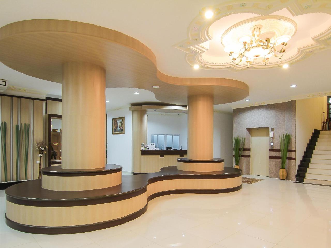 ลีลาวดี แกรนด์ โฮเต็ล (Leelawadee Grand Hotel)