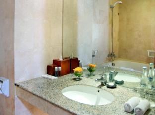 Aston Inn Tuban Hotel Bali - Bathroom