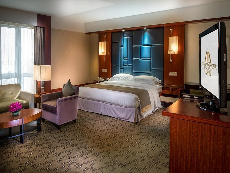クンタイ ロイヤル ホテル