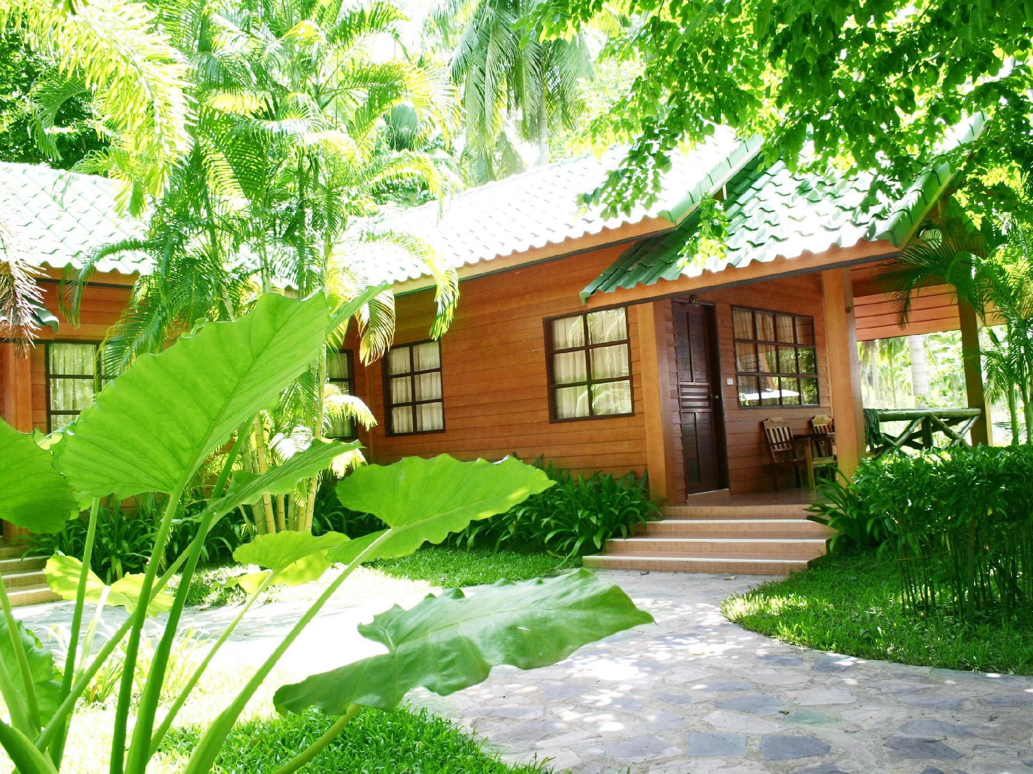 Bankrut Green View Resort,บ้านกรูด กรีนวิว รีสอร์ท