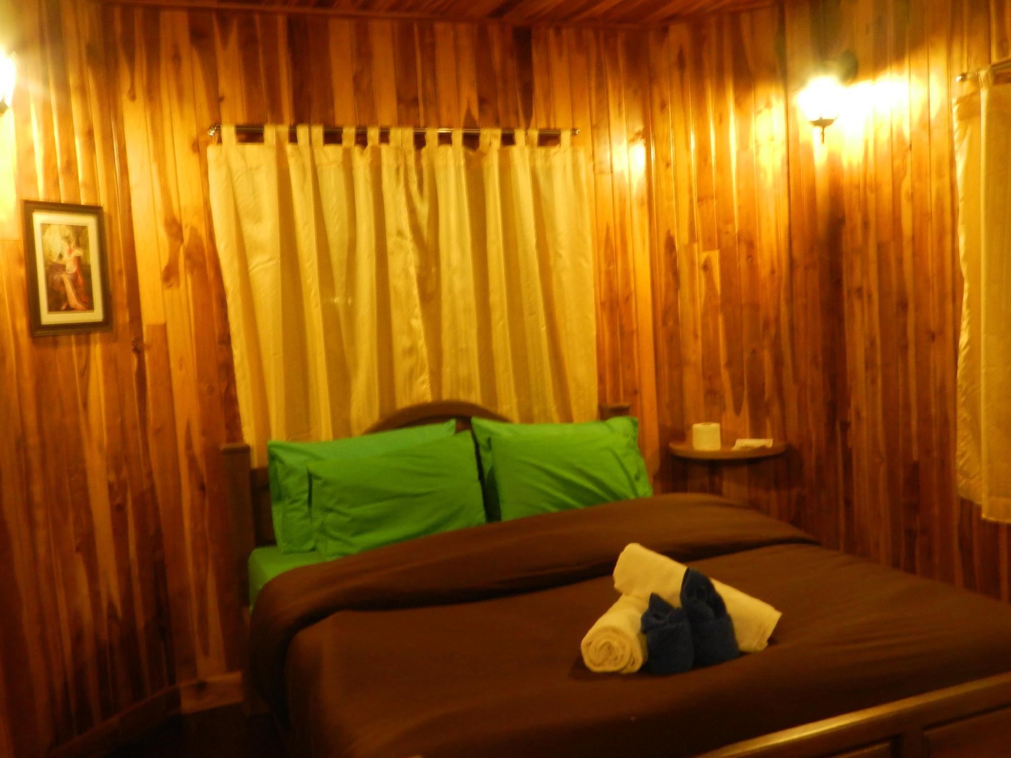 Ruean Vana Resort,เรือนวนา รีสอร์ท
