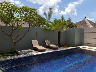 Bvilla Spa Hotel Bali - Swimming Pool