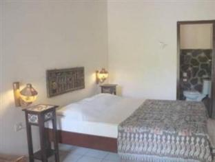Rambutan Lovina Hotel Bali - Hotellihuone