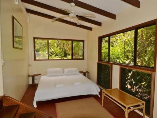 Riverside Holiday House hotel accepts paypal in Daintree