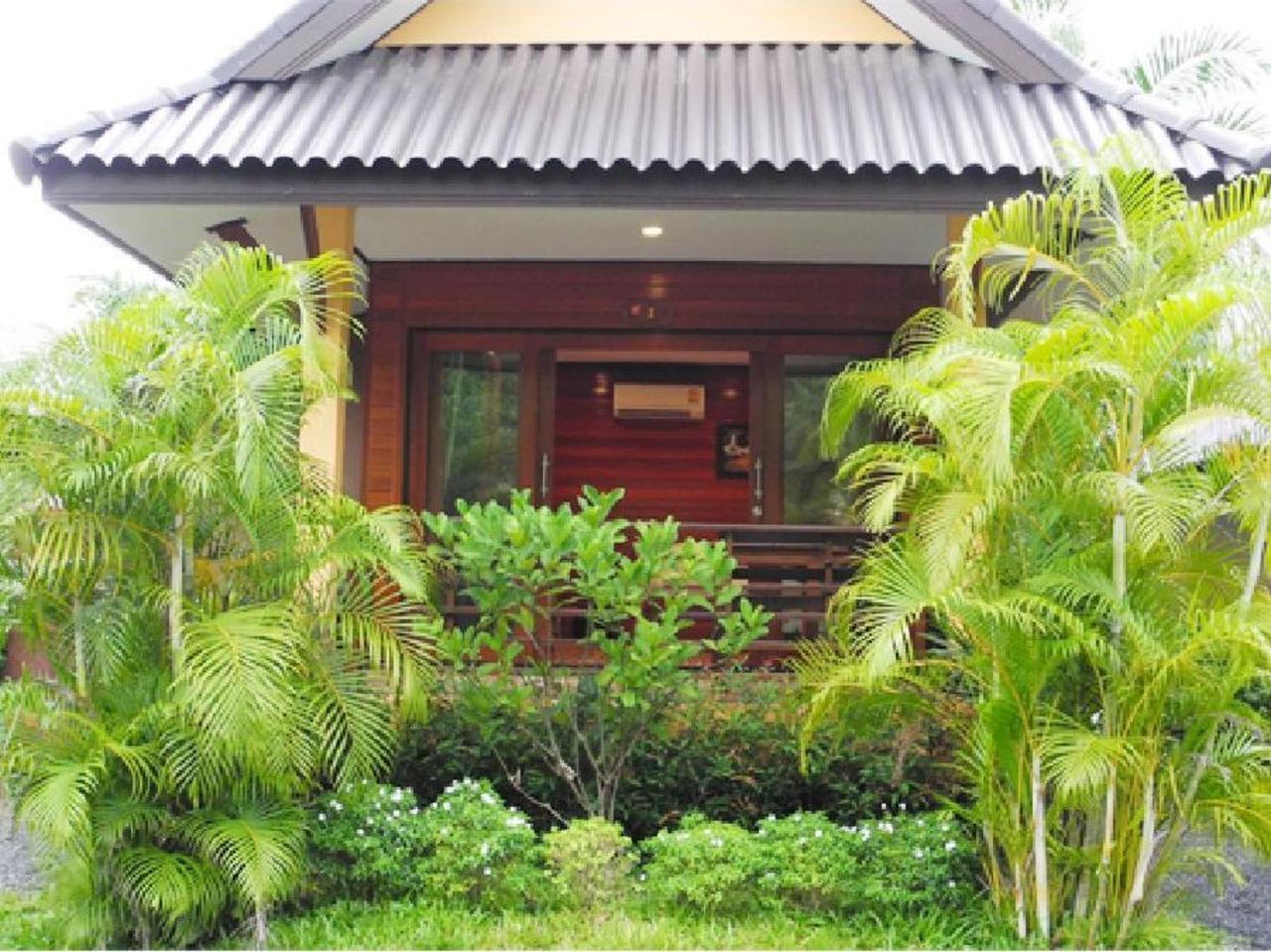 เกาะลอย รีสอร์ท สุราษฎร์ (Kohloy Resort Surat)