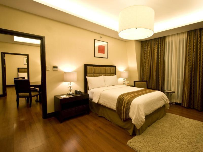 クラウン リージェンシー ホテル & タワーズ (Crown Regency Hotel & Towers)
