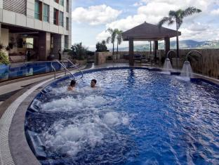Crown Regency Hotel & Towers Cebu City - Kolam renang
