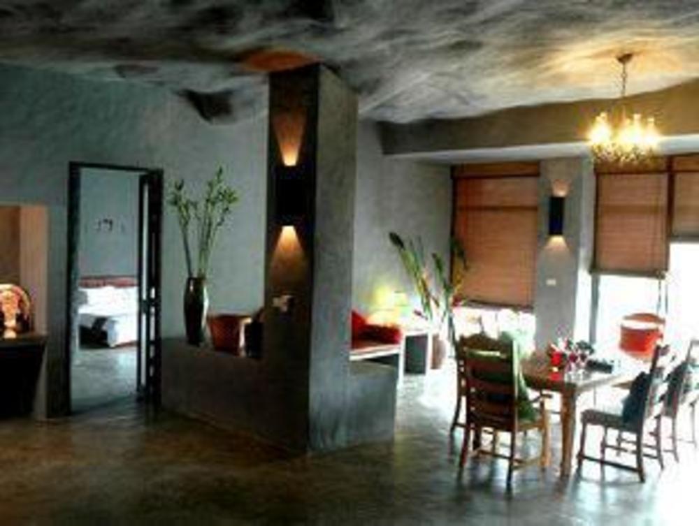 Avartarn Miracles Hotel
