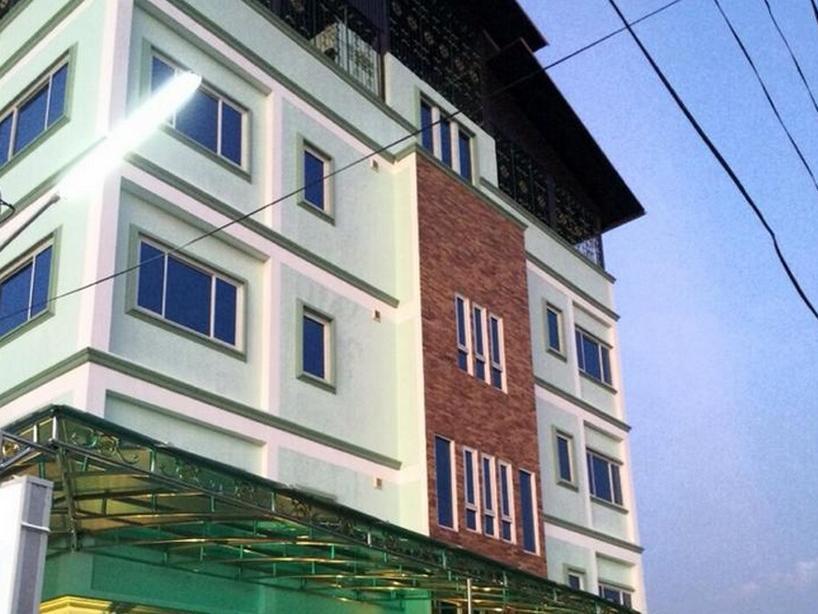 K.D.M. Residence14