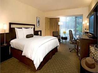 Best PayPal Hotel in ➦ Anaheim (CA): Doubletree Guest Suites Anaheim Resort Convention Center