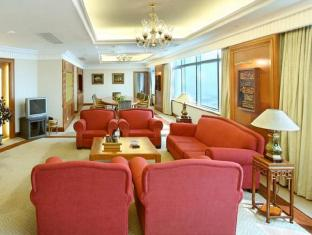 Golden Crown China Hotel Macao - Suite