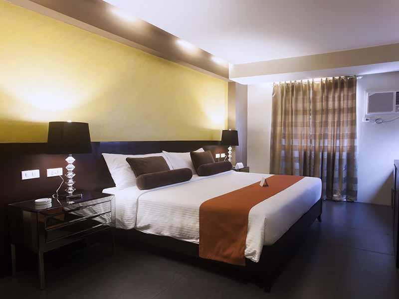 グレース クラウン ホテル (Grace Crown Hotel)