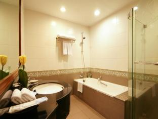 Grand Diamond Suites Hotel Bangkok - Baño