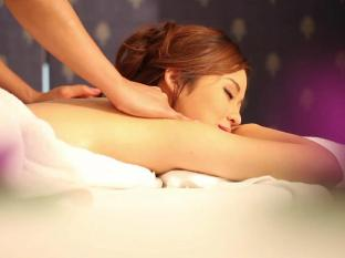Grand Diamond Suites Hotel Bangkok - Thai House Massage