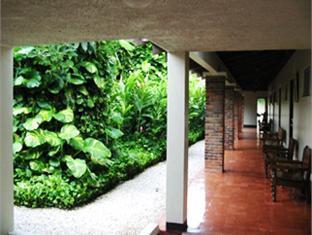 booking.com Las Espuelas Hotel, Bar & Restaurant