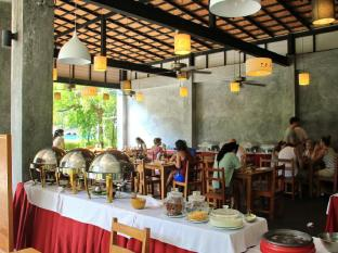 Kata Lucky Villa & Pool Access Phuket - Restaurang