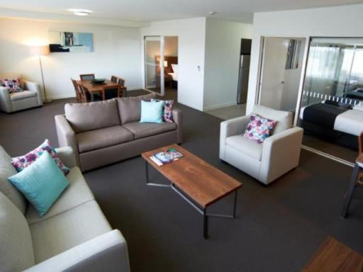 ➦  Quest Serviced Apartments    (New South Wales) customer rating
