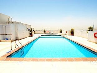 Richmond Hotel Apartments Dubai - Swimming Pool - Closed for Maintenance