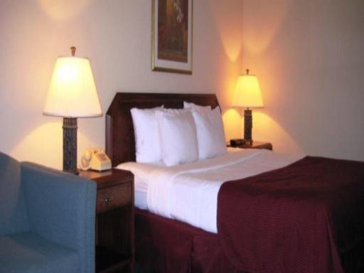 Magnuson Grand Hotel Fayetteville hotel accepts paypal in Fayetteville (AR)