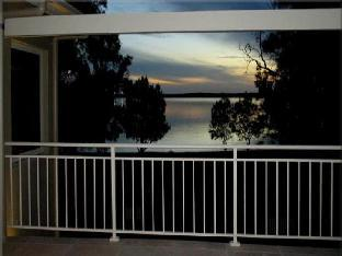 Pelican Escape Resort PayPal Hotel Lake Macquarie