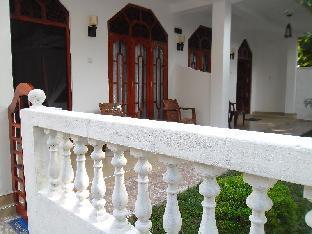 Praba Sky Lounge Guesthouse