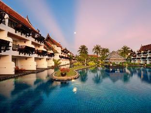JW Marriott Khao Lak Resort & Spa guestroom junior suite