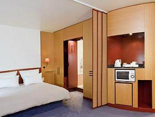 Novotel Suites Berlin City Potsdamer Platz Berlin - Guest Room