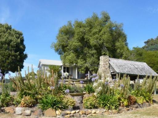 Sassafras Springs Cottages Maydena takes PayPal