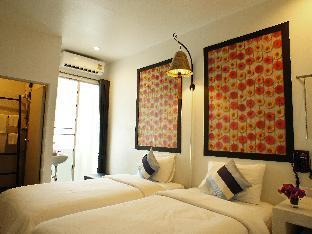 booking Chiang Mai Walking Street Residence hotel