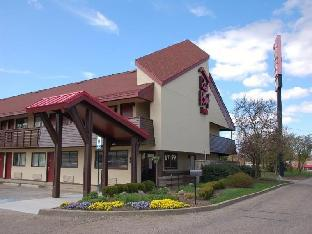 Red Roof Inn Hotel in ➦ Canton (OH) ➦ accepts PayPal