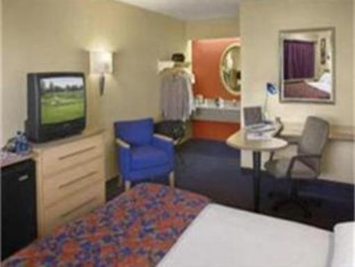 ➦  Red Roof Inn    (Maryland) customer rating