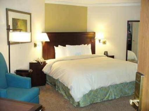 Embassy Suites Hotel Kansas City-Overland Park hotel accepts paypal in Overland Park (KS)