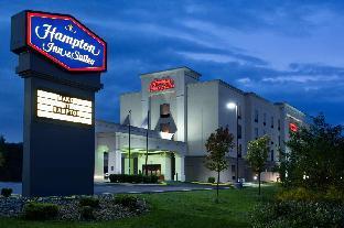 Hampton Inn & Suites Grove City - PA Hotel