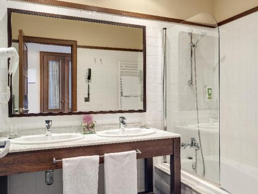 ➦  Barceló Hotels & Resorts    customer rating