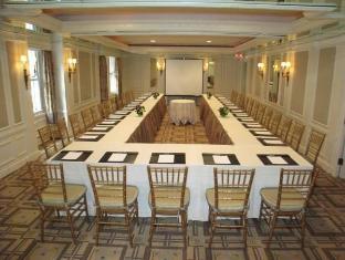 Carlyle Hotel Trianon Suite