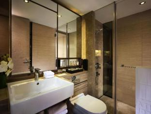Nathan Hotel Hong Kong - Platinum Room Bathroom