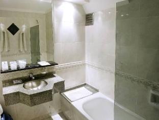 Sarmiento Palace Hotel Buenos Aires - Bathroom