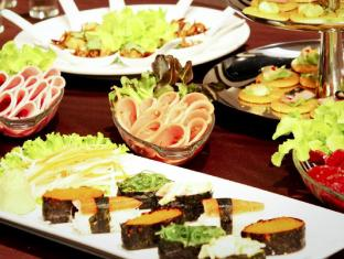 Intimate Hotel by Tim Boutique Hotel Pattaya - International Buffet