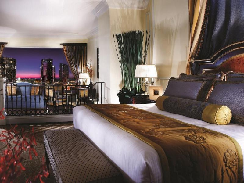 Cotai View Royale Suite - One King Bed